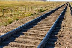 Chemin de fer de Transmongol, chemin de fer à voie unique en steppe photographie stock