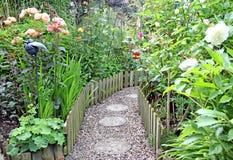 Chemin de jardin secret image libre de droits