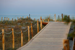 Chemin de marche à la plage de Giunco, Sardaigne, Italie Photos stock