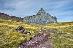 Chemin de marche pour faire une pointe Anayet dans Aragon Pyrénées Photographie stock