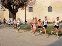 Chemin de Moitié-Marathon dans Vigevano, Italie Photographie stock