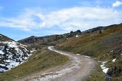 Chemin de montagne vers nulle part photos libres de droits