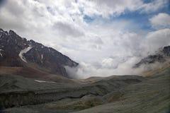 chemin de montagnes Photographie stock libre de droits