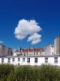 Chemin de plantée de promenade au centre de Paris Images libres de droits