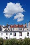 Chemin de plantée de promenade au centre de Paris Images stock