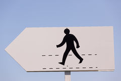 Chemin de promenade d'homme de couleur de signe Photos stock