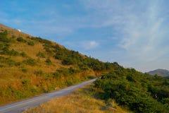 Chemin de promenade sur la colline Photos stock
