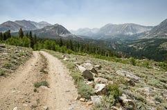 Chemin de terre au-dessus de Rock Creek Photographie stock libre de droits
