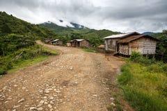Chemin de terre, Chin State, Myanmar photographie stock libre de droits