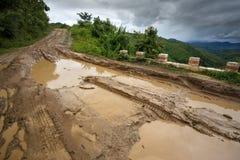 Chemin de terre, Chin State, Myanmar Image stock