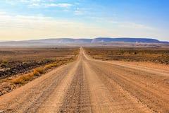 Chemin de terre pour pêcher le canyon de rivière, Namibie Photo stock