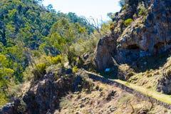 Chemin de trekking à Glory Cave du sud en parc national de Kosciuszko, NSW, Australie images stock