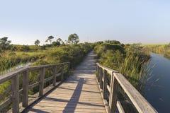 Chemin en bois de passerelle au fort Pickens Photographie stock