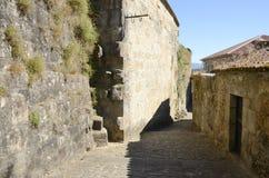 Chemin en pierre dans le village galicien photos libres de droits