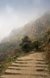 Chemin en pierre dans les montagnes Images libres de droits