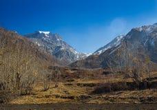 Chemin en pierre dans les montagnes Photo libre de droits
