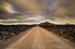 Chemin entre les roches de volcan Images libres de droits