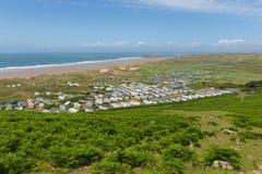 Chemin Rhossili de côte du Pays de Galles en bas de la vue BRITANNIQUE de Gower à Hillend Photo stock