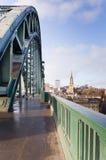 Chemin sur la passerelle de Tyne Photos libres de droits