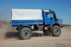 Chemin tous terrains de camion Photographie stock libre de droits