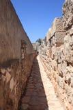 Chemin étroit sur la promenade de remparts, Jérusalem Images stock