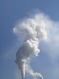 Cheminée d'évacuation des fumées Photographie stock libre de droits