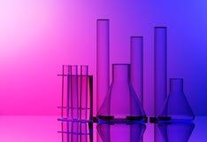 Chemisch laboratoriummateriaal - Erlenmeyer-fles, reageerbuizen en glascilinder - op rode en blauwe achtergrond royalty-vrije stock foto