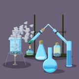 Chemische Ausrüstung und Experimente extrahieren Hintergrund auf Purpur Stockfotos