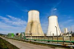 Chemische fabriek Elastomeer en thermoplastische productielijn Vaten voor het voorbereiden van monomeren en polymerisatie en staa stock afbeelding