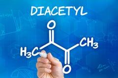 Chemische Formel des Diacetyls Stockfotos