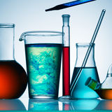 Chemische producten in glas Royalty-vrije Stock Afbeeldingen
