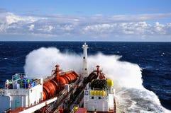 Chemische tanker in ruwe overzees Stock Fotografie