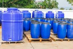 Chemischer Behälter in der Fabrik Lizenzfreie Stockfotos