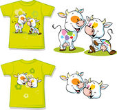 Chemise avec la bande dessinée mignonne de vache - vecteur illustration de vecteur