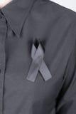 Chemise avec les rubans noirs comme signe du deuil Photo stock