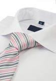 Chemise avec une cravate rayée Photographie stock libre de droits