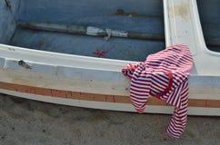 Chemise sur le bateau Photographie stock libre de droits