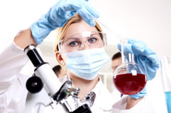 Chemist working in the laboratory Royalty Free Stock Image