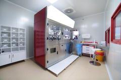 chemotherapy machine robot arm in lab Stock Photos
