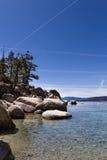 Chemtrails au-dessus du lac Tahoe Photos stock