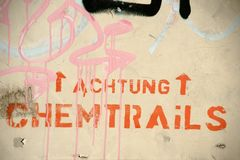 Chemtrails di attenzione immagine stock