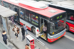 Chengdu, porcelaine : les gens en le bus Photo libre de droits