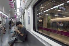 Chengdu tunnelbanalinje 3 gångtunneldrev Fotografering för Bildbyråer