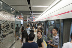 Chengdu tunnelbanalinje 3 gångtunneldrev Royaltyfri Bild