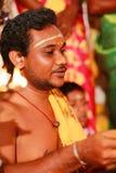 Chennai, Índia - 12 de março de 2018: Cerimônia de casamento indiana hindu em um templo, ritual indiano do casamento Imagem de Stock Royalty Free