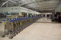CHENNAI TAMIL NADU, INDIEN - APRIL 28: Vagnsställning på flygplatsen på APRIL 28 2014 i Chennai, Tamil Nadu, Indien Royaltyfri Bild