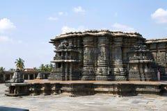 Chennakeshava寺庙复合体,贝鲁尔,卡纳塔克邦 从Kalyan Mandapa的全视图在南西部 库存图片