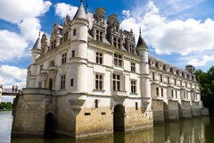 Chenonceaux castle on water Royalty Free Stock Photos