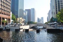Cheonggyecheon ström i Seoul, Sydkorea Arkivfoto