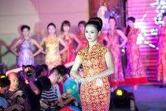 Cheongsam przedstawienia pierwszy chybienie Jiangxi Międzynarodowy konkurs Obrazy Royalty Free